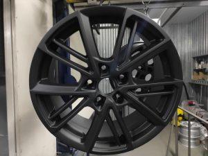 Порошковая окраска дисков цвет черный матовый
