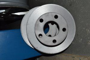 Проточка тормозных дисков на профессиональном оборудовании Sivik