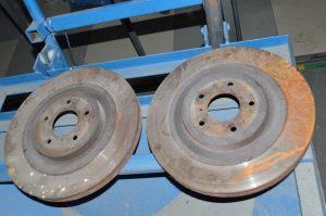 Проточка тормозных дисков в Гомеле. Одновременно обе плоскости. Остаточное биение не более 0,01 мм. Оборудование Sivik. Гарантия качества.