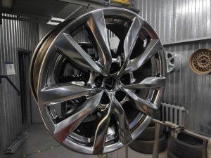 Покраска восстановленных аварийных R18 Mazda в